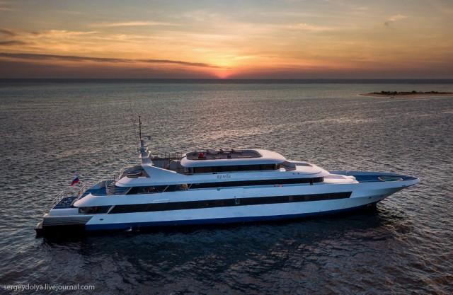 Круїзи на мега-яхтах по Мальдівах